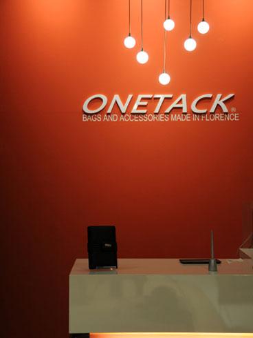 09 ONETACK / VIORO 4F SHOP(アフィリエイト・プロモ株式会社)